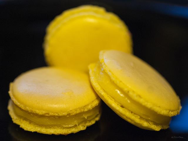 Lemon macarons with lemon curd filling
