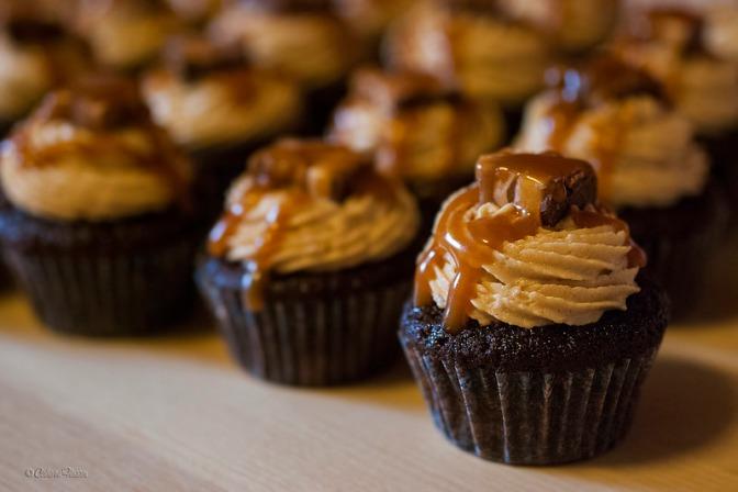 Snickers™ mini-cupcakes
