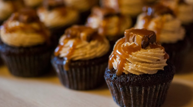 Snickers™ mini-cupcakes